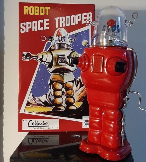 robot space trooper rood